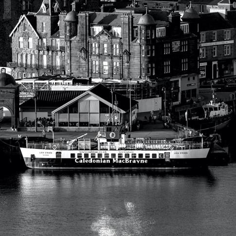(718) North Pier, Columba Hotel, Loch St