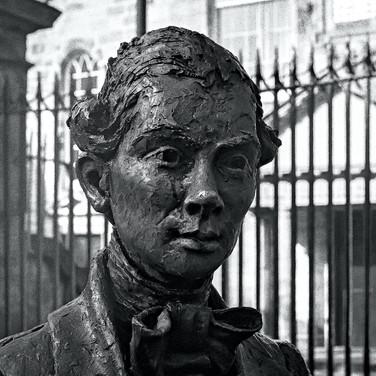 (1223) Statue of Poet Robert Fergusson b