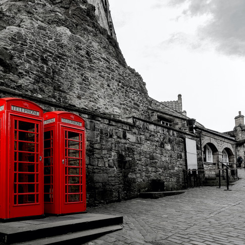 (384) Iconic Red Phone Boxes in the Entr