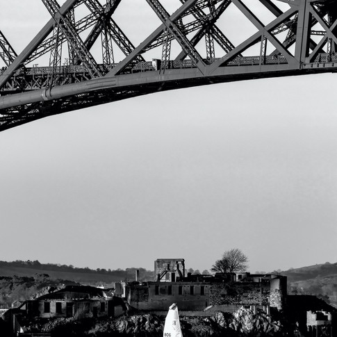 (1057) Sailing Yacht under Forth Bridge,