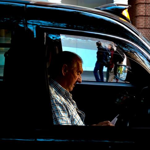 (192) London Taxi Driver, Buckingham Gat