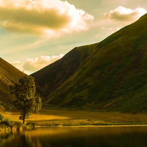 (526) Secret Lochan near Innerleithen in