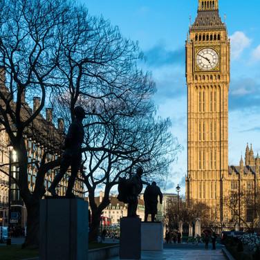 (122) Statues in Parliament Square Garde