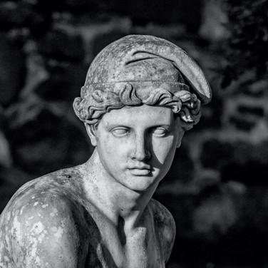 (429) Garden Statue, Garden Ornament, Or