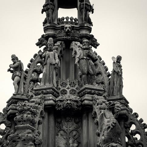 (742) Fountain in Palace Yard of Holyroo