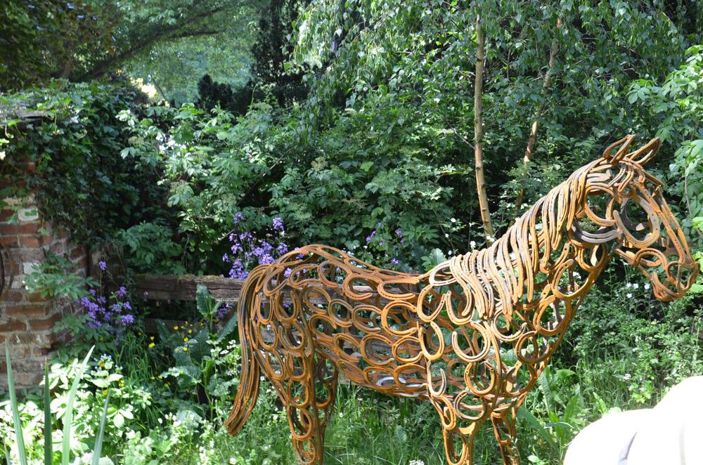Hevosenkenkä hevonen