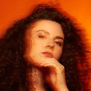 Kate Gratson color headshot