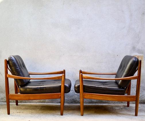 Paire de fauteuils Greta Jelk