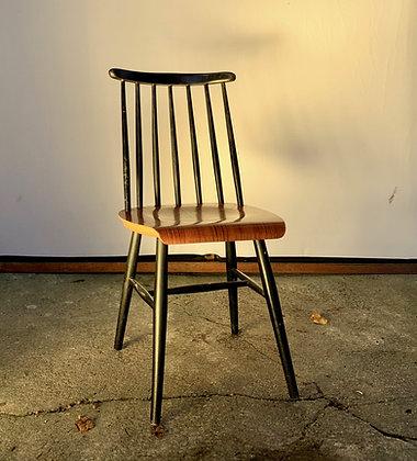 Lot de trois chaises Tapiovaara