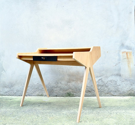 Lady Desk de Helmut Maag