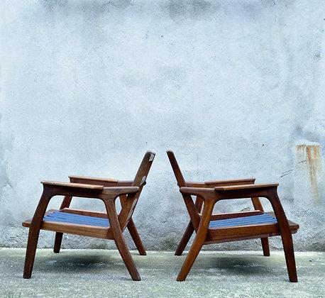 Paire de fauteuils scandinaves en teck