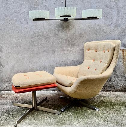Chaise longue et son pouf
