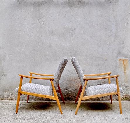 Paire de fauteuils tchèques en bois blond