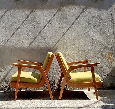 Paire de fauteuils tchèques des années 50