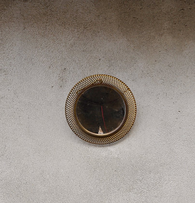 Miroir en filigrane doré