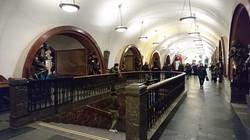 ③号線 プローシシャチ・リバリューツィ(革命広場)駅
