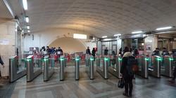 ②号線 チアトラーリナヤ駅 自動改札機