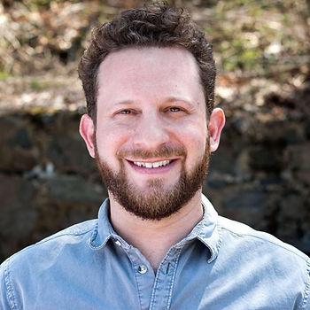 Jared Loss Headshot.jpg