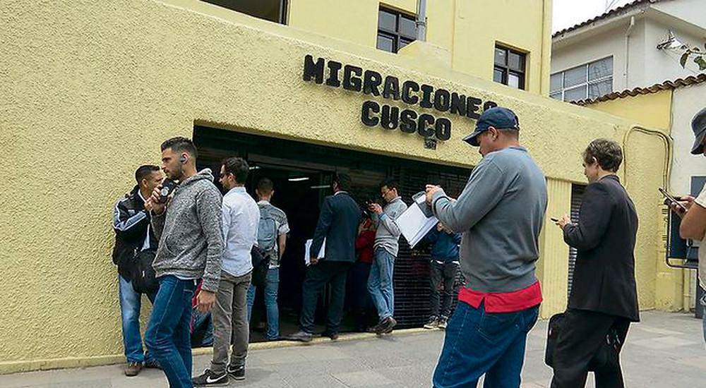 """Fotografía tomada del artículo de prensa titulado """"Venezolanos gestionan PTP para trabajar en Cusco"""" publicado en https://larepublica.pe/sociedad/1356862-venezolanos-gestionan-ptp-cusco/"""