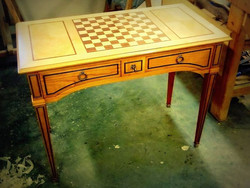 Table à jeux de style Louis XVI
