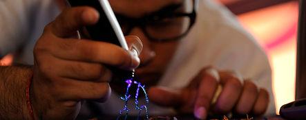 progetta e  costruisci con una penna 3D un'oggetto di design unico