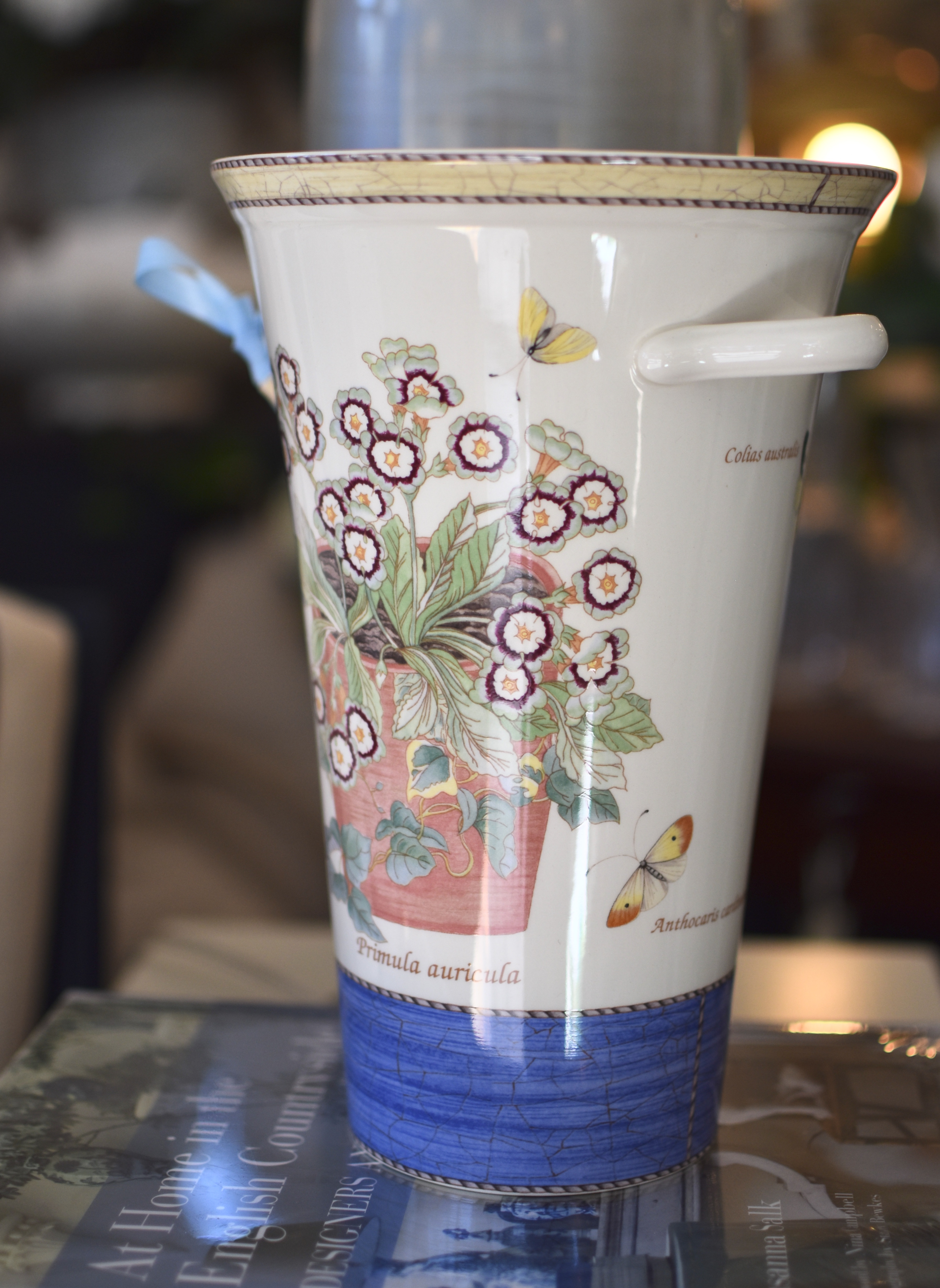 "Wedgewood Vase ""Sarah's Garden"""