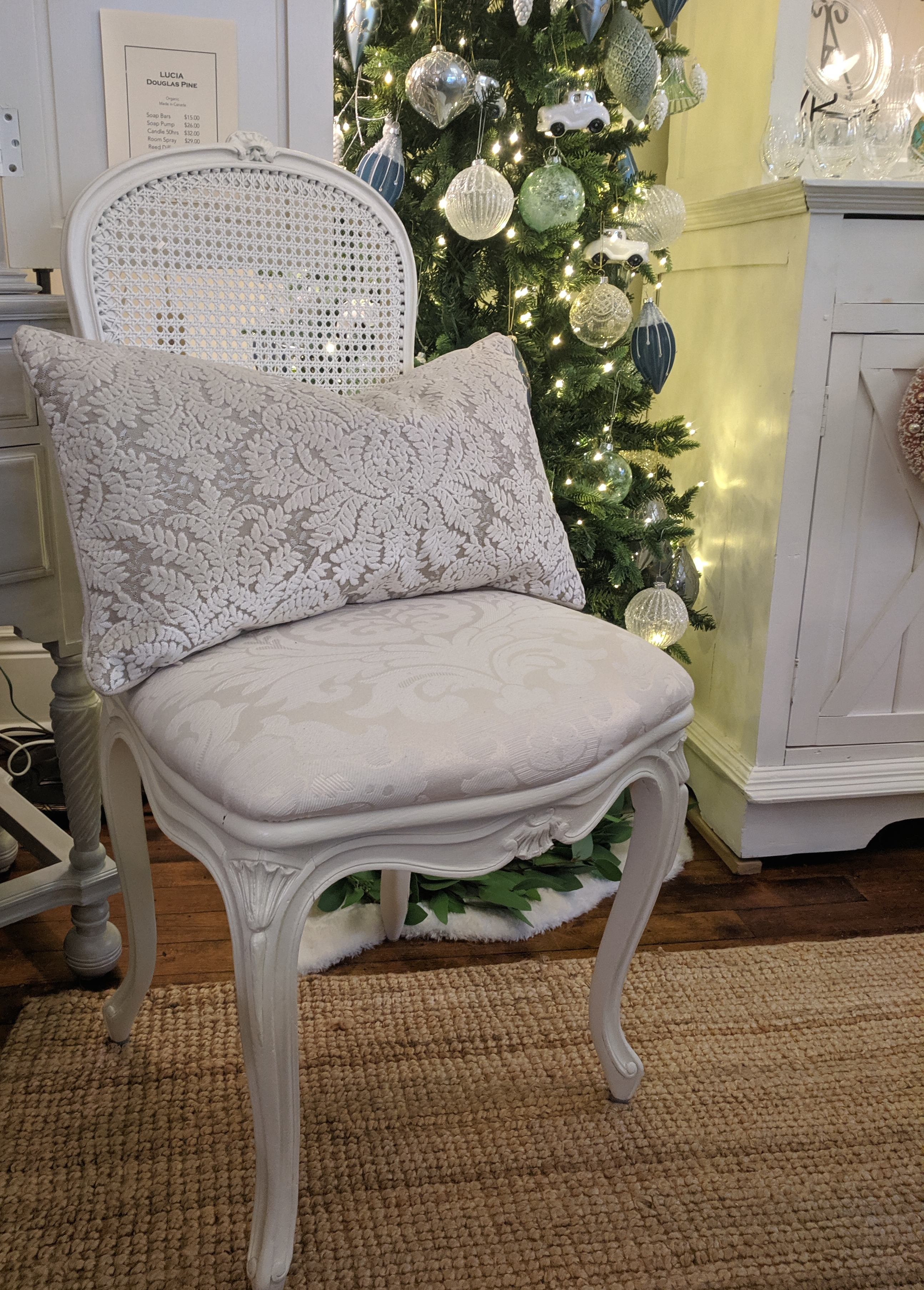 Furniture - Set of 4 Caneback Chairs