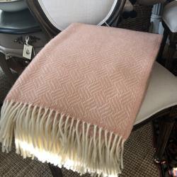 100% Wool Throw - Pale Pink