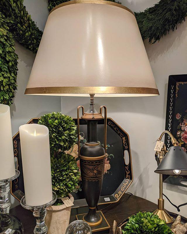 Urn style vintage tole lamp