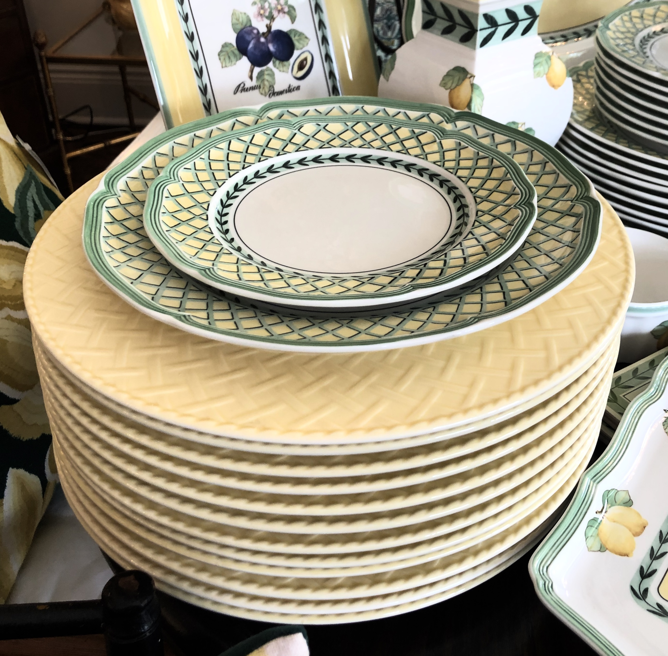 12 Villeroy & Boch Charger Plates