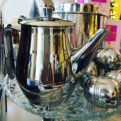 2 and 4 Cup Teapots and Tea Infusers