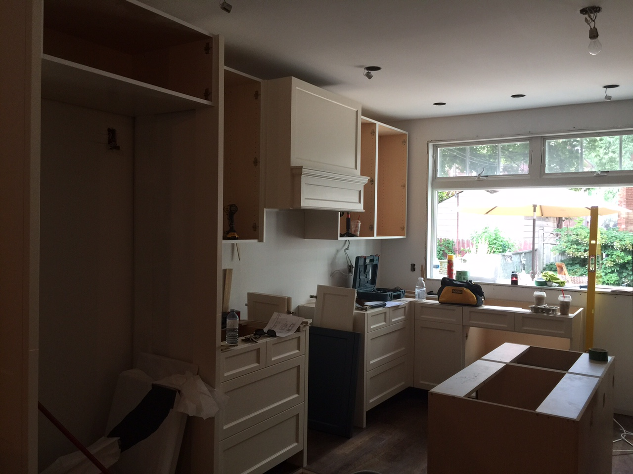 Contruction -Kitchen Install