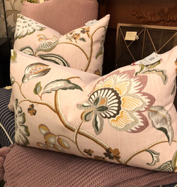 Cushions (1 Lumbar 1 20x20)