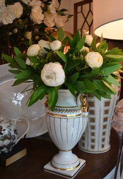 Japanese Ceramic Urn Vase in White and Gold