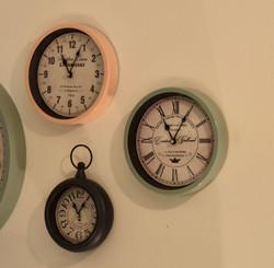 Small Round Clocks