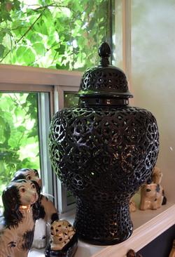 Black Large Lattice Ginger Jar