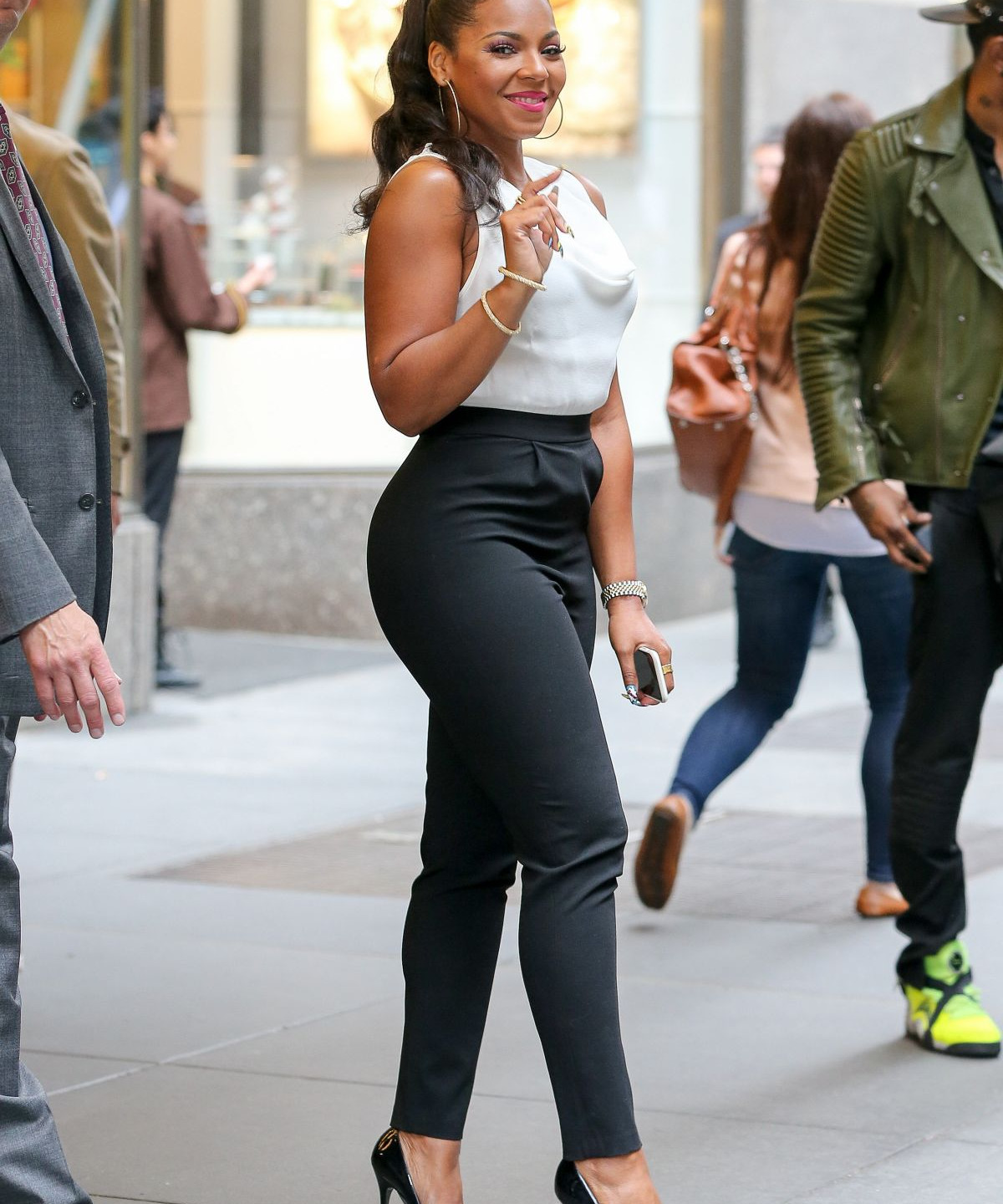 ashanti-out-and-about-in-new-york-04-17-2015_3