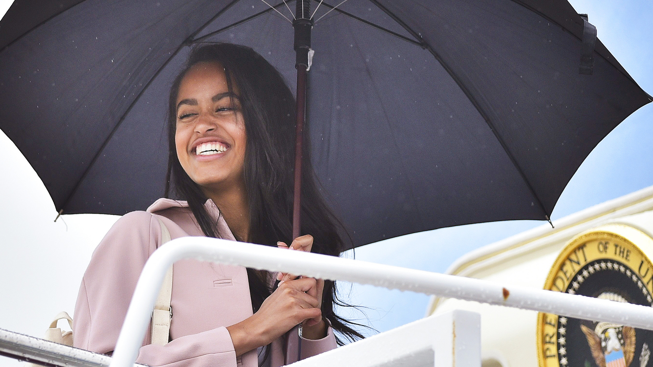 050216-lifestyle-blackgirlmagic-celebs-who-attended-ivy-league-schools-malia-obama