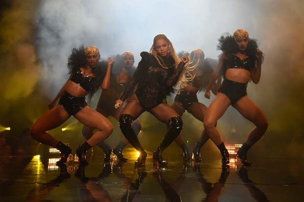 beyonce-vmas-performance-2016-compressed