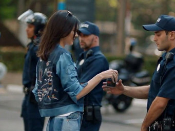 Pepsi Ad ft Kendall Jenner pulled...