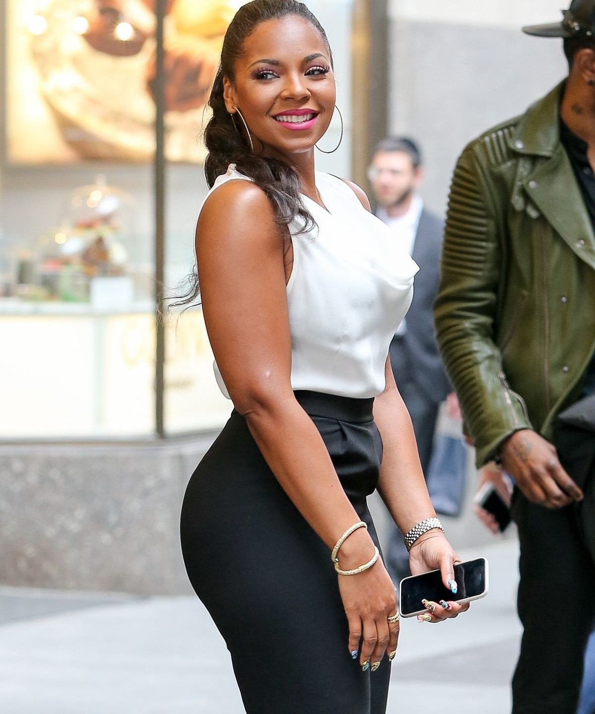 ashanti-out-and-about-in-new-york-04-17-2015_4