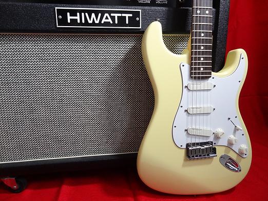 Hiwatt SA212 combo- Fender Stratocaster