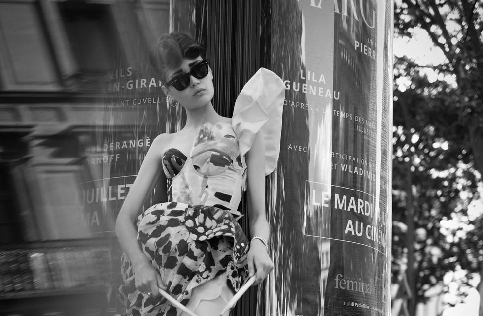 Фотограф: Benjamin Kanarek  Директор: Frédérique Renaut  Co-креативные директора: Benjamin Kanarek and Frederique Renaut Стилист: Jean-Luc Favre  Талант: Marie Konc  Стилист по волосам: Stéphane Bodin  Визажист: Phophie Mathias  Ассистент стилиста: Tamara Prince  Кастинг директор: Aleks Ivanof Локация: Fauchon Hotel Paris