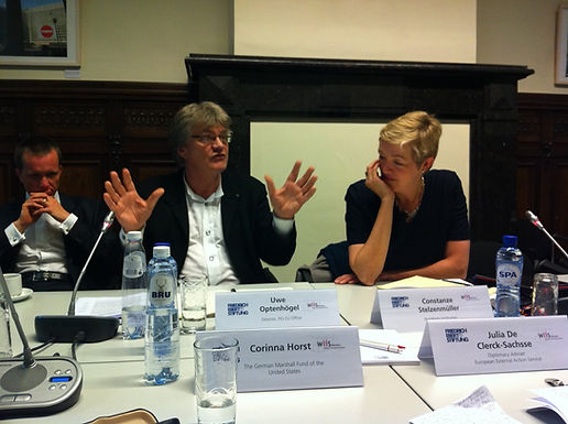 """Breakfast conversation: """"To lead or not to lead? Germany and Europe as foreign policy players"""""""