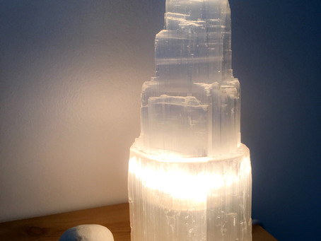 Lampe de Sélénite et chromatothérapie/ Lamp of Selenite and chromatotherapy