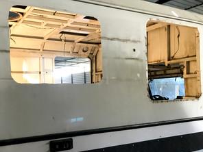 Camların Açılması: Neden karavan camı?