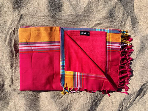 kikoy beach towel fuchsia with a smart pocket