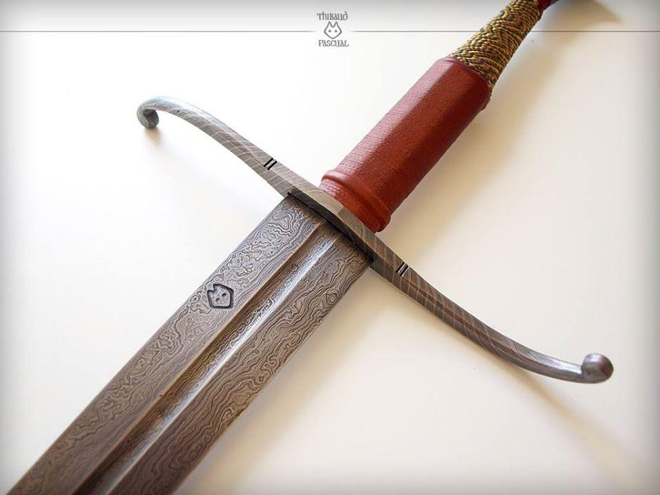 Epée feuilletée