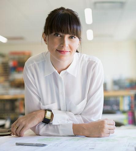 Kvinde i en Office