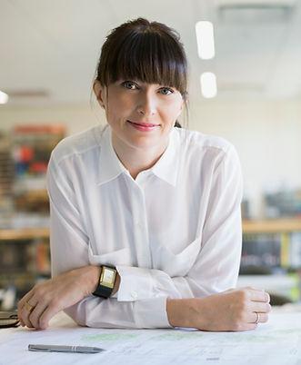Kvinna på ett kontor